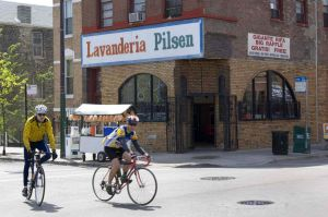 Pilsen, Hispanic neighborhood in Chicago - Photographs of Pilsen and Little Village