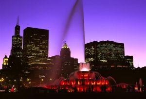 Buckingham Fountain at dusk in Chicago - Chicago photographs