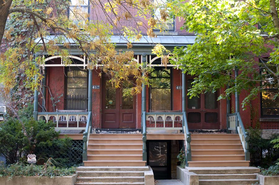 Victorian era building on Webster Avenue in Lincoln Park