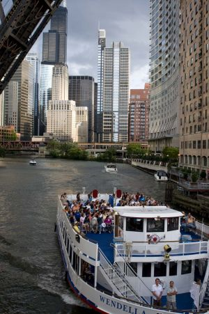 View of a tour boat from Kinzie Street Bridge